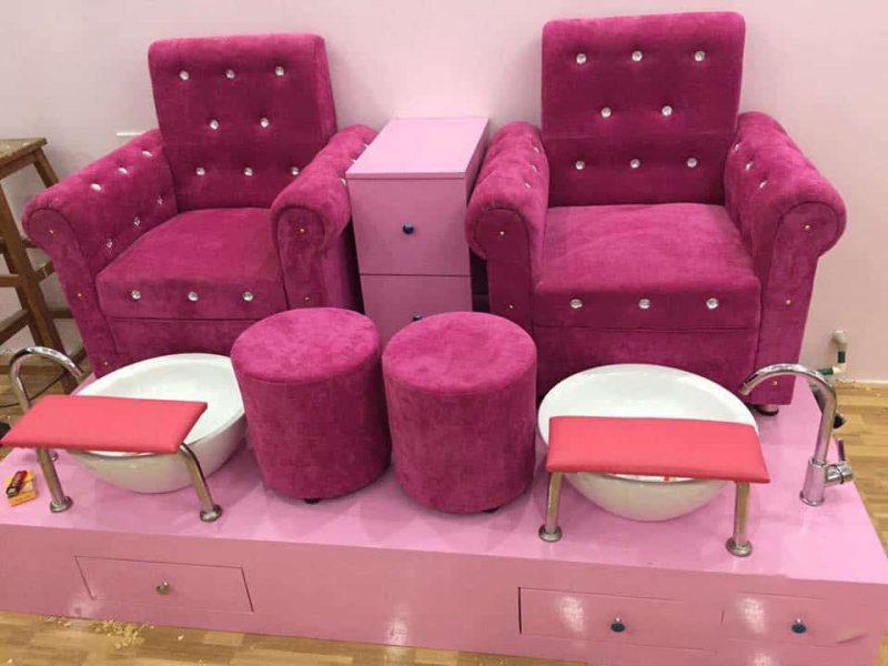 Ghế làm nail màu hồng tại hungphatsaigon.vn