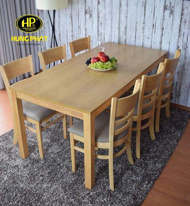 Chất liệu gỗ được sử dụng để làm bàn ăn
