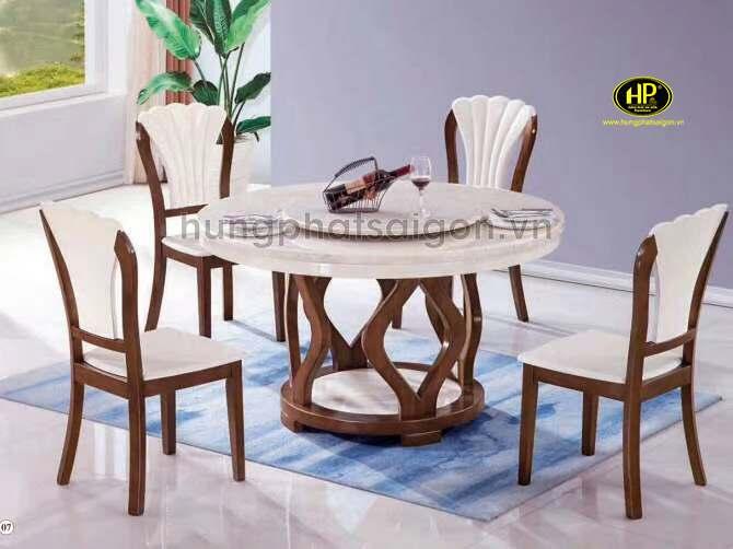 Hưng Phát và các mẫu bàn ăn hiện đại ấn tượng