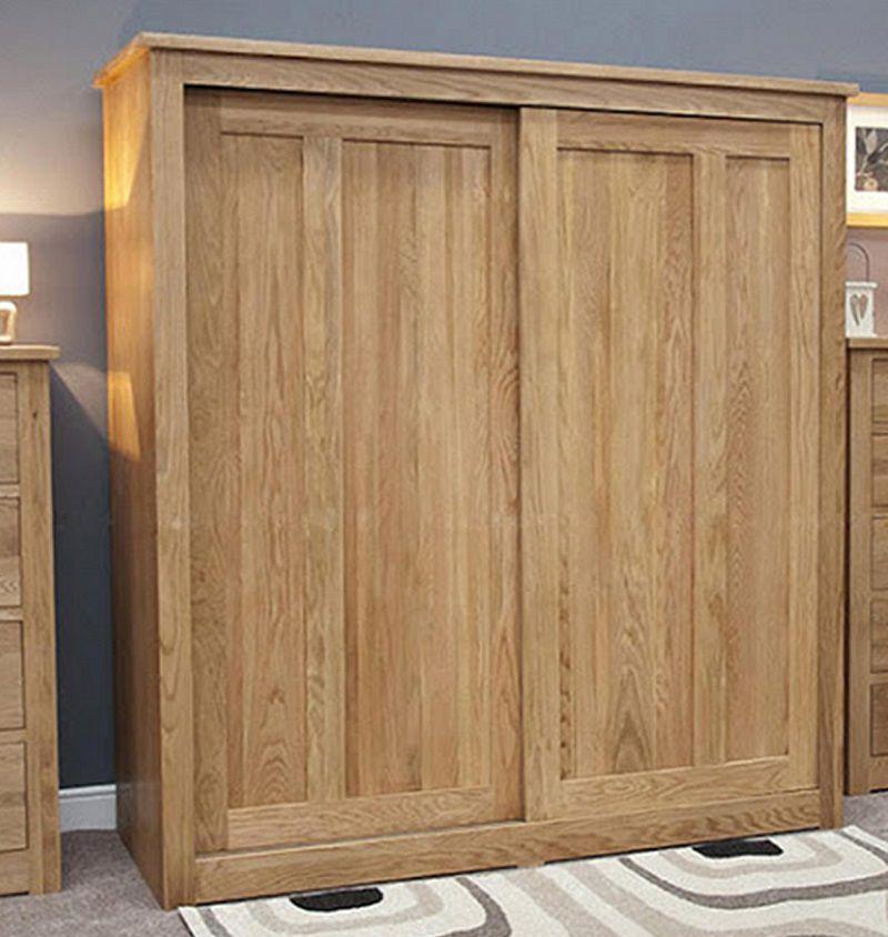 Tủ gỗ tự nhiên bền và có giá cao hơn so với tủ gỗ công nghiệp